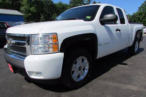 2007 Chevrolet Silverado 1500 for sale at AutoMile Motors in Saco ME