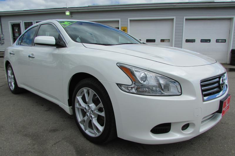 2014 Nissan Maxima for sale at AutoMile Motors in Saco ME