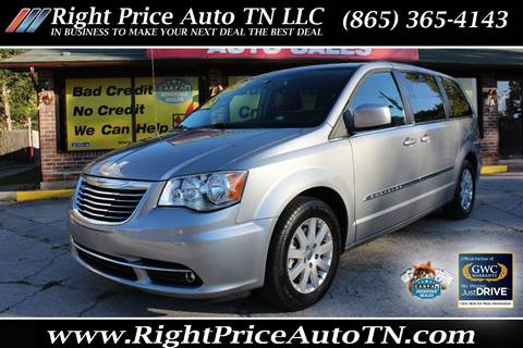 2014 Chrysler Town and Country for sale in Sevierville, TN