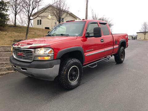 2002 GMC Sierra 2500HD for sale at 4 Below Auto Sales in Willow Grove PA