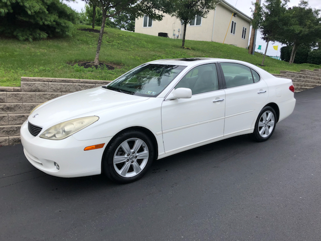 2005 Lexus ES 330 for sale at 4 Below Auto Sales in Willow Grove PA