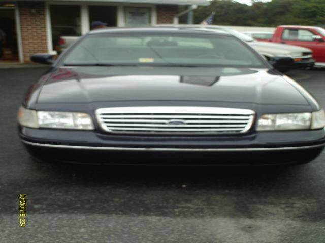 2000 ford crown victoria lx 4dr sedan in kilmarnock va davis auto sales service. Black Bedroom Furniture Sets. Home Design Ideas