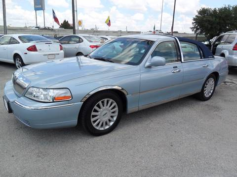 2005 Lincoln Town Car for sale at Talisman Motor City in Houston TX
