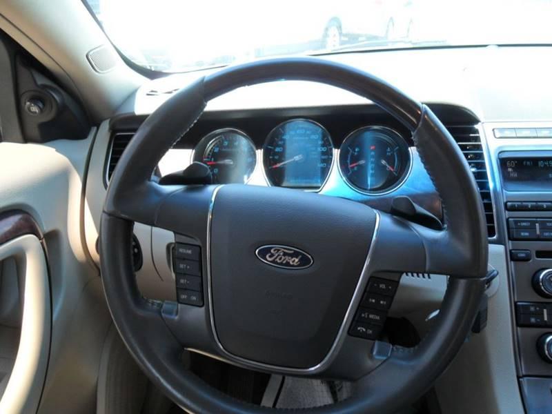 2010 Ford Taurus Limited 4dr Sedan - Houston TX