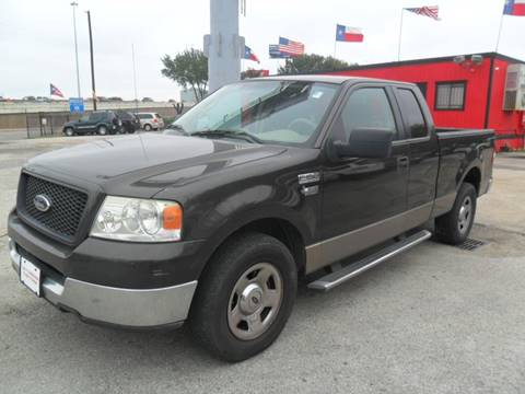 2005 Ford F-150 XLT for sale at Talisman Motor City in Houston TX
