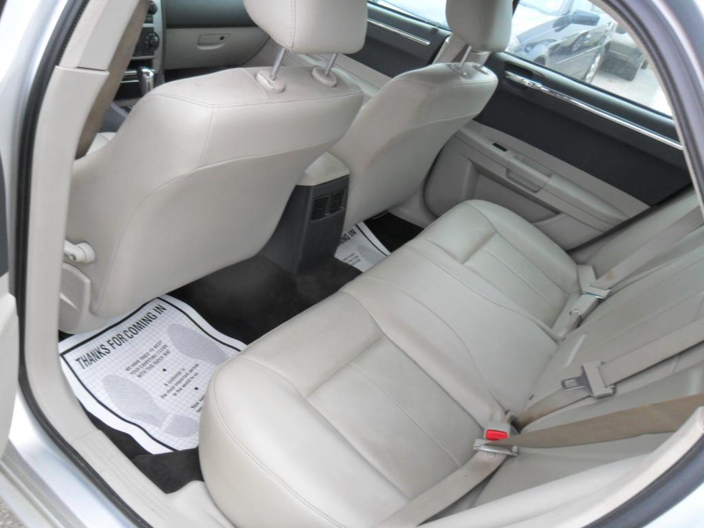 2005 Chrysler 300 Touring 4dr Sedan - Houston TX