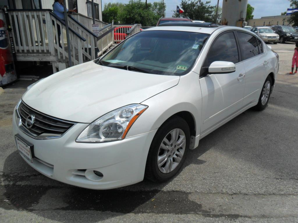 2010 nissan altima 2 5 s 4dr sedan in houston tx talisman motor city. Black Bedroom Furniture Sets. Home Design Ideas