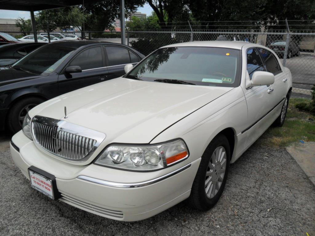 2003 lincoln town car signature 4dr sedan in houston tx. Black Bedroom Furniture Sets. Home Design Ideas