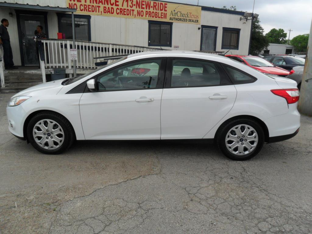 2012 Ford Focus SE 4dr Sedan - Houston TX