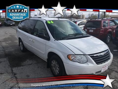 2006 Chrysler Town and Country for sale in Davenport, IA