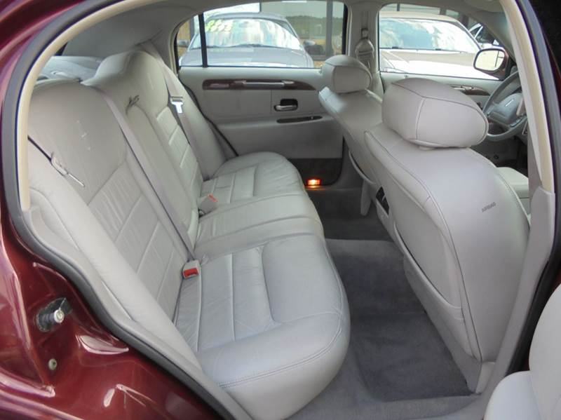 2001 Lincoln Town Car Executive 4dr Sedan - Binghamton NY
