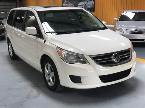 2010 Volkswagen Routan for sale at Auto Imports in Houston TX