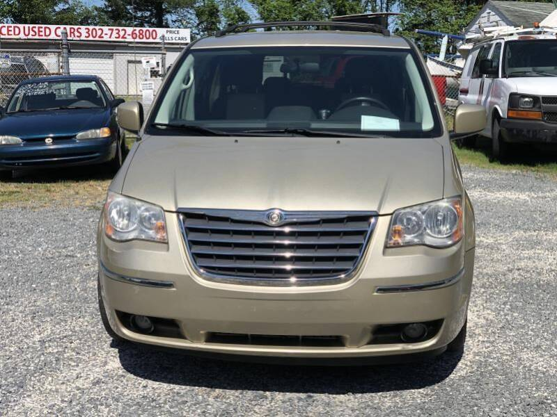 2010 Chrysler Town and Country Touring Plus 4dr Mini-Van - Frankford DE