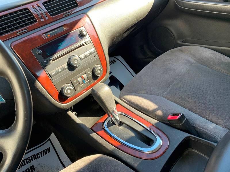 2006 Chevrolet Impala LT 4dr Sedan w/3.5L - Cambridge MN