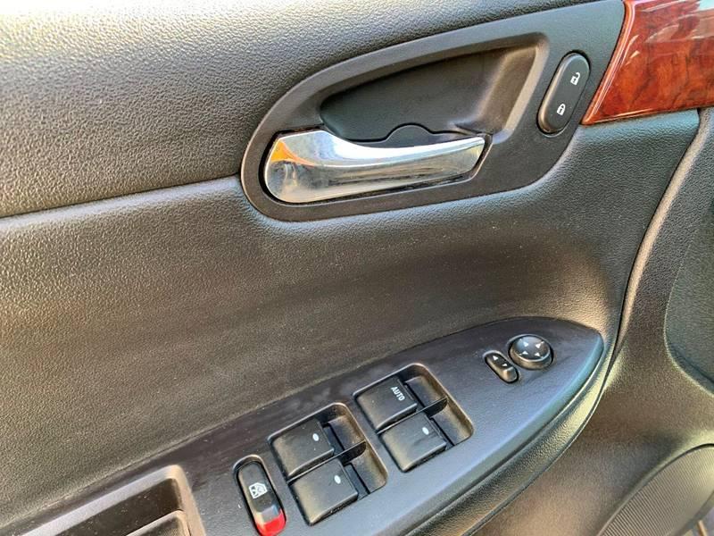 2006 Chevrolet Impala LS 4dr Sedan - Cambridge MN
