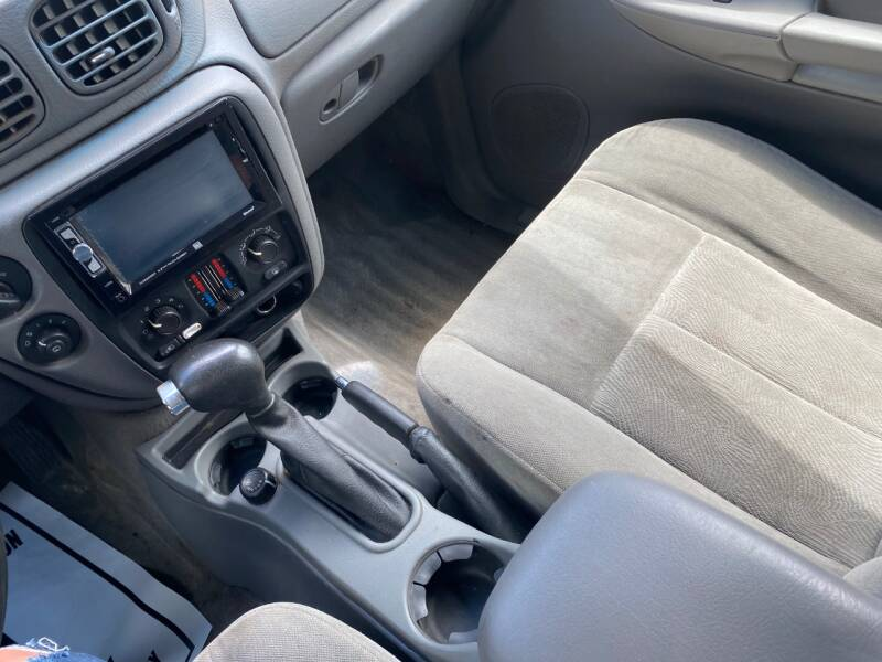 2005 Chevrolet TrailBlazer EXT LS 4WD 4dr SUV - Cambridge MN