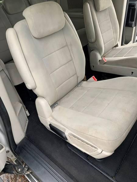 2008 Dodge Grand Caravan SXT Extended 4dr Mini-Van - Cambridge MN