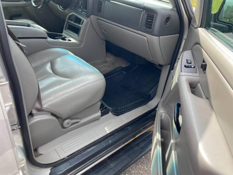 2004 Chevrolet Suburban 4dr 1500 4WD SUV - Cambridge MN