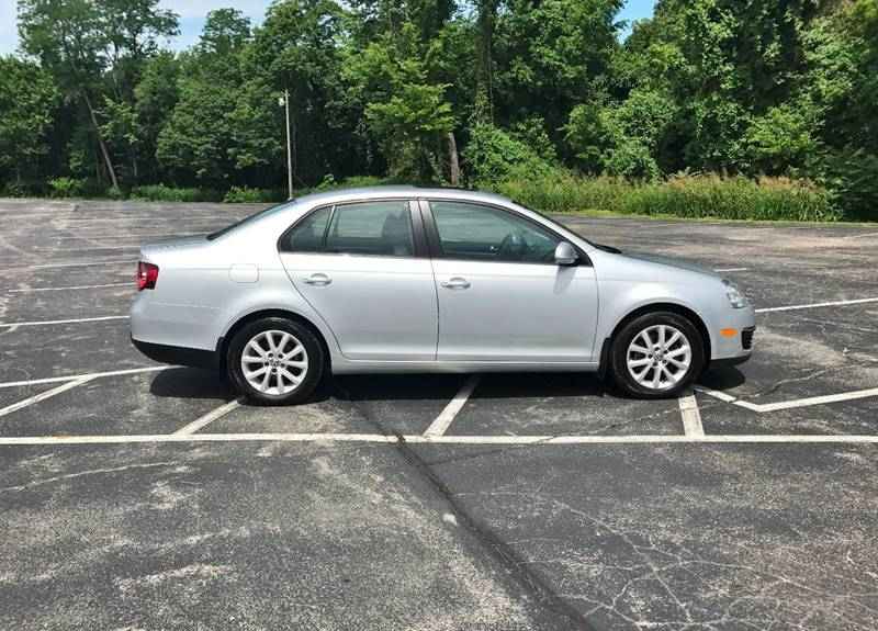 2010 Volkswagen Jetta for sale at E & S MOTORS in Imperial MO