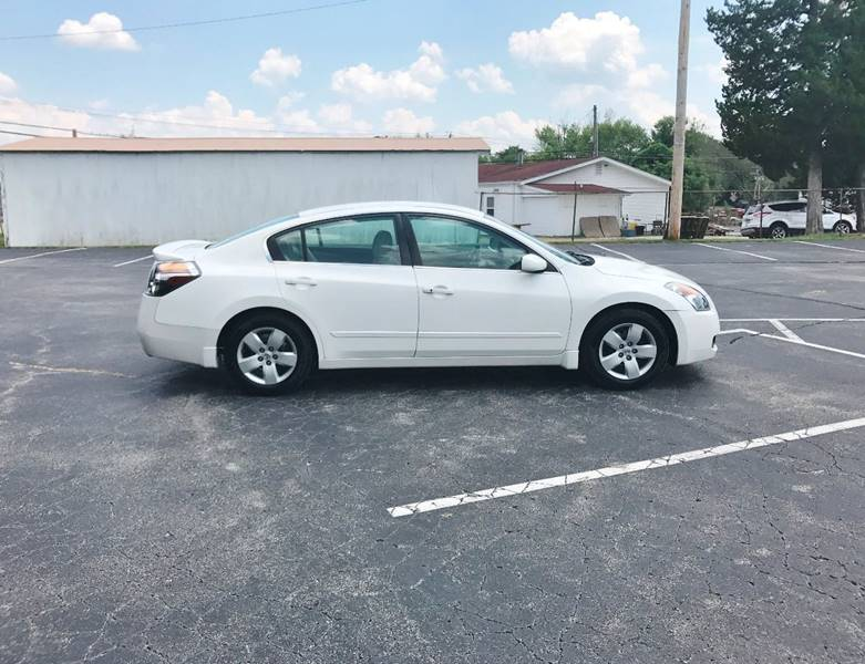 2009 Nissan Altima for sale at E & S MOTORS in Imperial MO