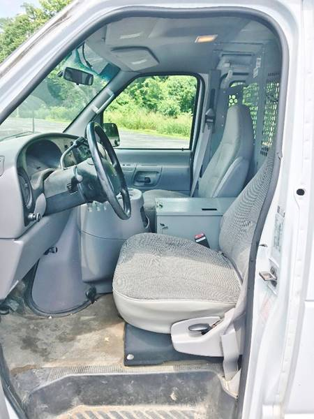 2000 Ford E-250 for sale at E & S MOTORS in Imperial MO
