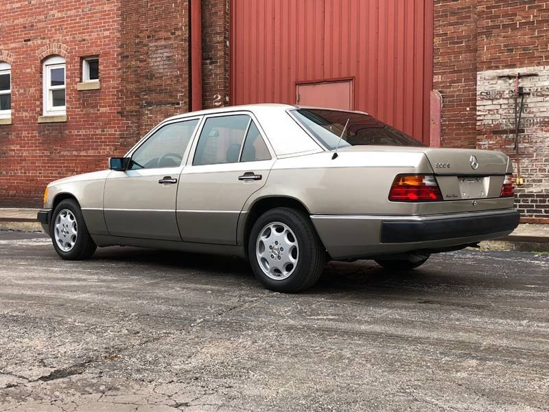 1992 Mercedes-Benz 300-Class 300 E 4dr Sedan - Saint Charles MO