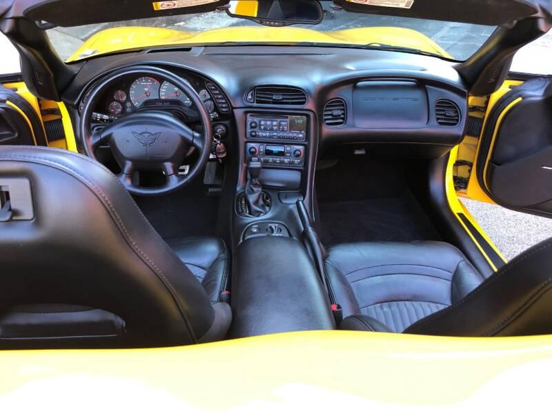 2004 Chevrolet Corvette 2dr Convertible - Saint Charles MO