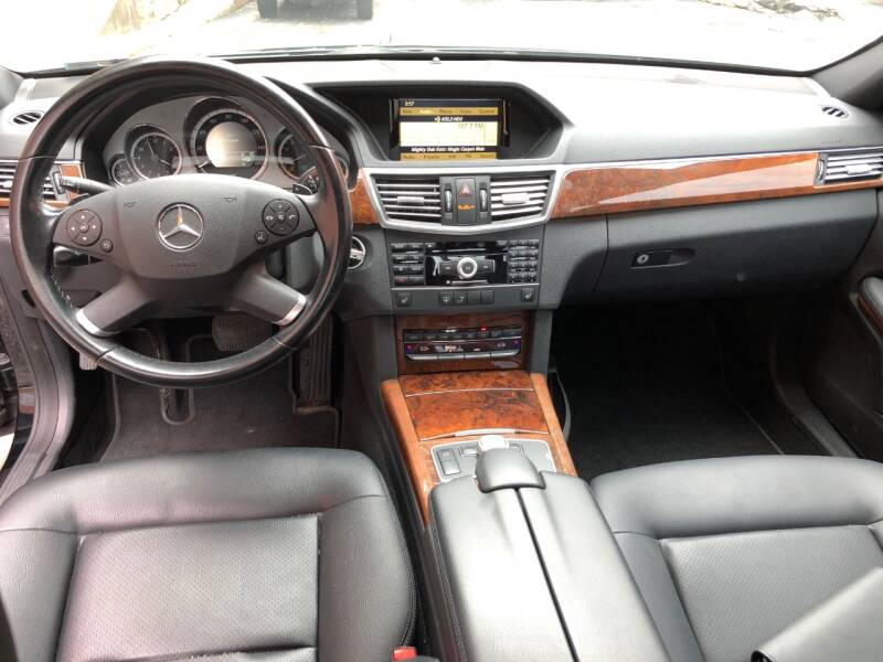 2011 Mercedes-Benz E-Class AWD E 350 Luxury 4MATIC 4dr Sedan - Saint Charles MO