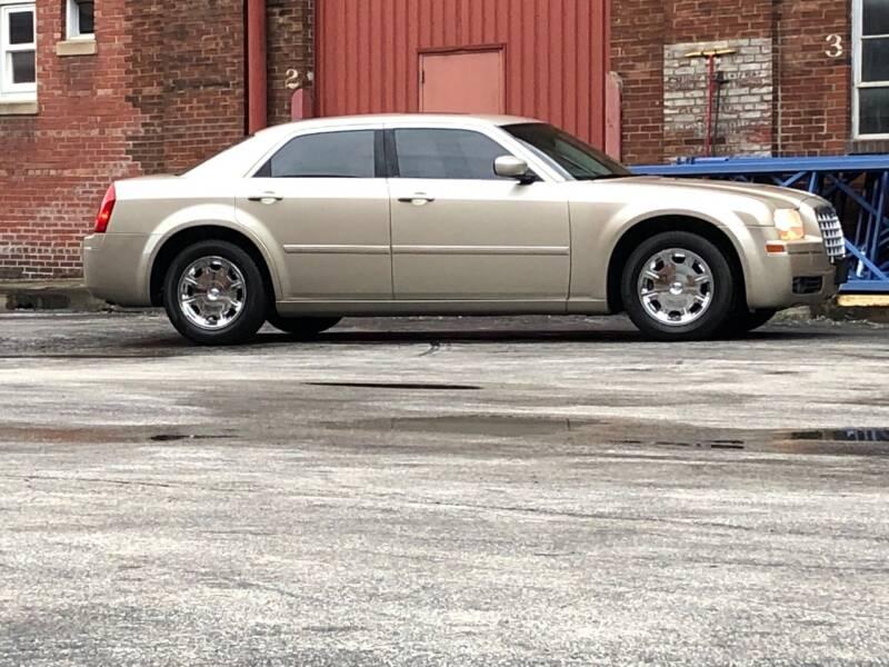 2006 Chrysler 300 Touring 4dr Sedan - Saint Charles MO