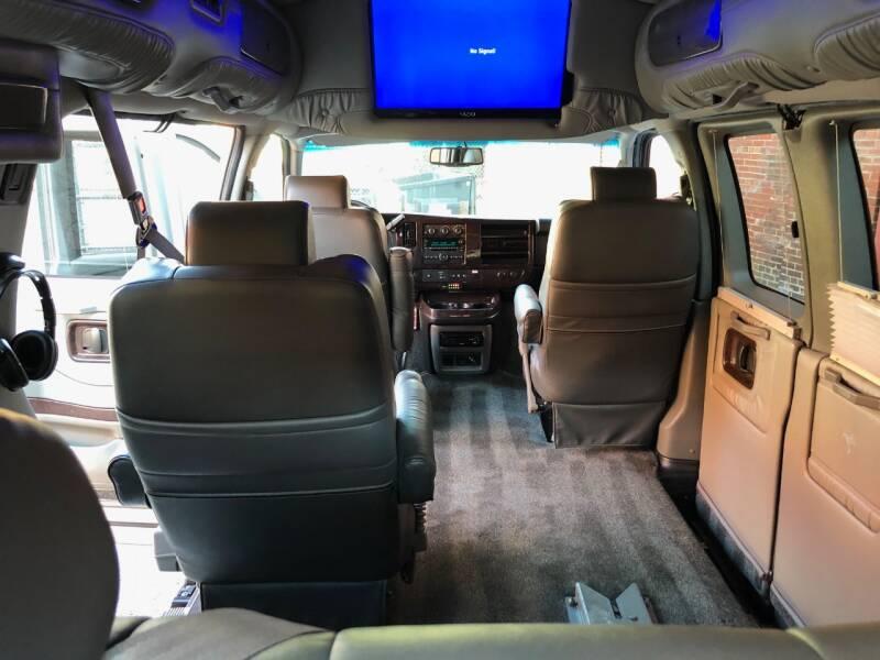 2011 GMC Savana Cargo 2500 3dr Cargo Van w/ YF7 Upfitter - Saint Charles MO