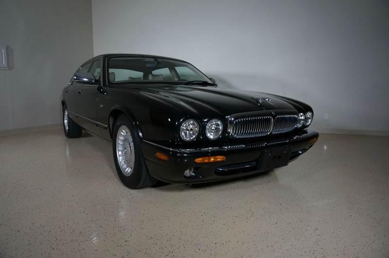 2000 Jaguar XJ Series Vanden Plas 4dr Sedan   Grand Prarie TX