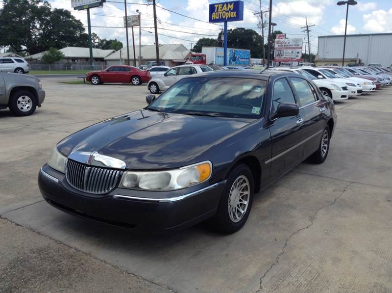 2000 Lincoln Town Car Signature 4dr Sedan In Houma La Team