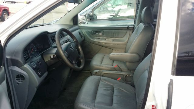 2003 Honda Odyssey for sale at CRESTWOOD AUTO AUCTION in Crestwood IL