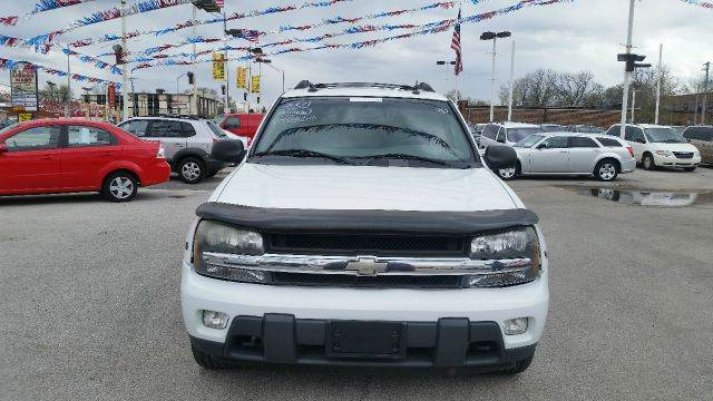 2004 Chevrolet TrailBlazer EXT for sale at CRESTWOOD AUTO AUCTION in Crestwood IL