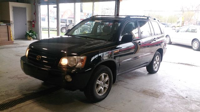 2001 Toyota Highlander for sale at CRESTWOOD AUTO AUCTION in Crestwood IL