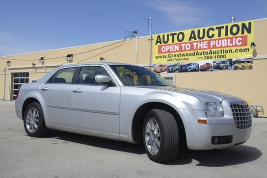 2009 Chrysler 300 for sale at CRESTWOOD AUTO AUCTION in Crestwood IL