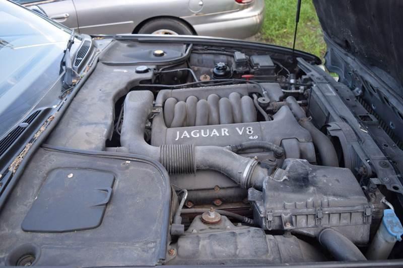 2000 Jaguar XJ-Series for sale at CRESTWOOD AUTO AUCTION in Crestwood IL