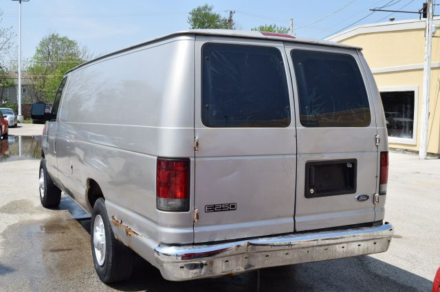 2003 Ford E-Series Cargo for sale at CRESTWOOD AUTO AUCTION in Crestwood IL