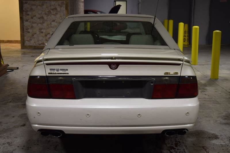 2003 Cadillac Seville for sale at CRESTWOOD AUTO AUCTION in Crestwood IL