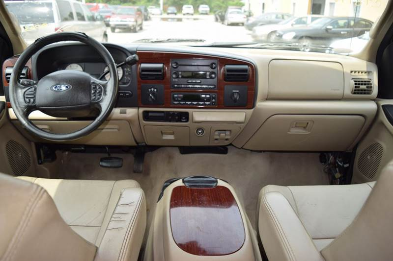 2005 Ford F-250 Super Duty for sale at CRESTWOOD AUTO AUCTION in Crestwood IL