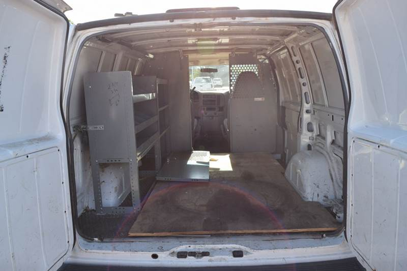 2002 GMC Safari Cargo for sale at CRESTWOOD AUTO AUCTION in Crestwood IL