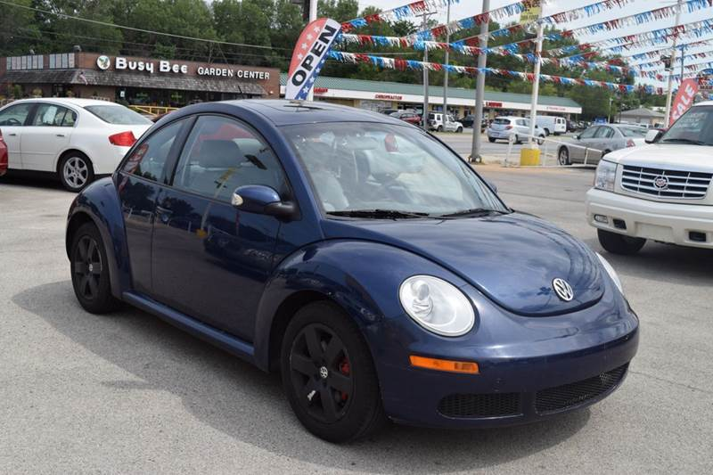 2006 Volkswagen New Beetle for sale at CRESTWOOD AUTO AUCTION in Crestwood IL