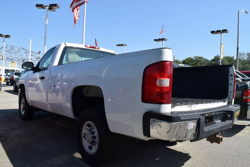 2007 Chevrolet Silverado 2500HD for sale at CRESTWOOD AUTO AUCTION in Crestwood IL