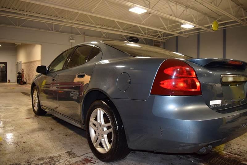 2007 Pontiac Grand Prix for sale at CRESTWOOD AUTO AUCTION in Crestwood IL