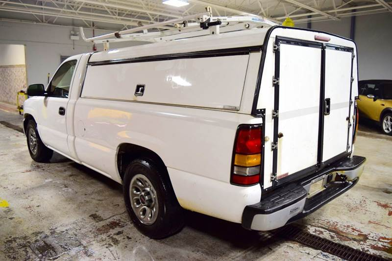 2005 GMC Sierra 1500 for sale at CRESTWOOD AUTO AUCTION in Crestwood IL