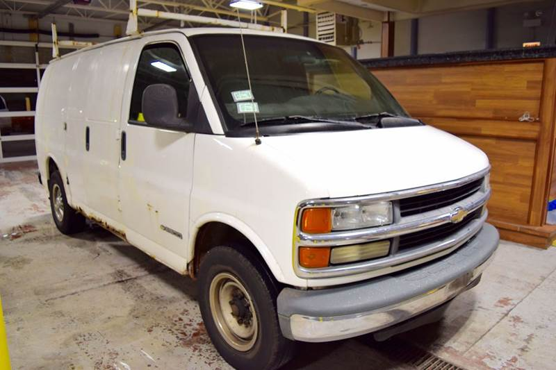 2002 Chevrolet Express Cargo for sale at CRESTWOOD AUTO AUCTION in Crestwood IL