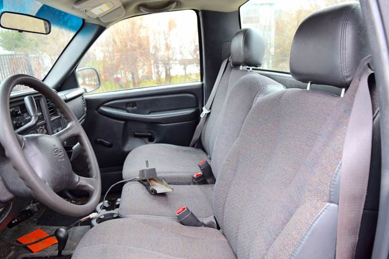 2001 Chevrolet Silverado 2500HD for sale at CRESTWOOD AUTO AUCTION in Crestwood IL