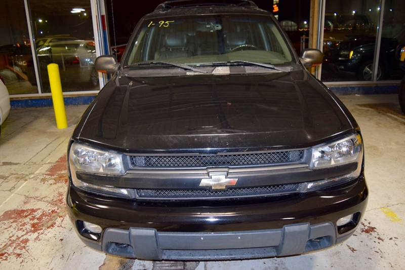 2003 Chevrolet TrailBlazer for sale at CRESTWOOD AUTO AUCTION in Crestwood IL