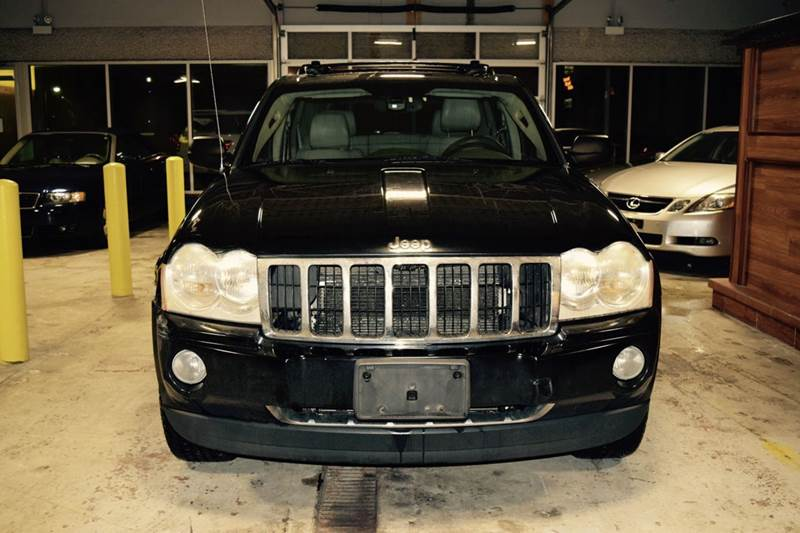 2005 Jeep Grand Cherokee for sale at CRESTWOOD AUTO AUCTION in Crestwood IL