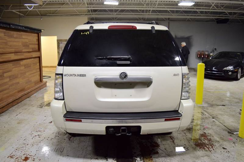 2006 Mercury Mountaineer for sale at CRESTWOOD AUTO AUCTION in Crestwood IL